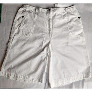 Studio Works Bermuda Shorts Size 22W White